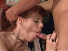Mature sucks out cum from dick after fuck on floor