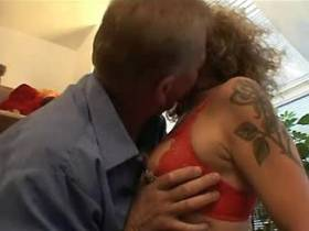 Tattooed mature gets licking pussy and sucks dick